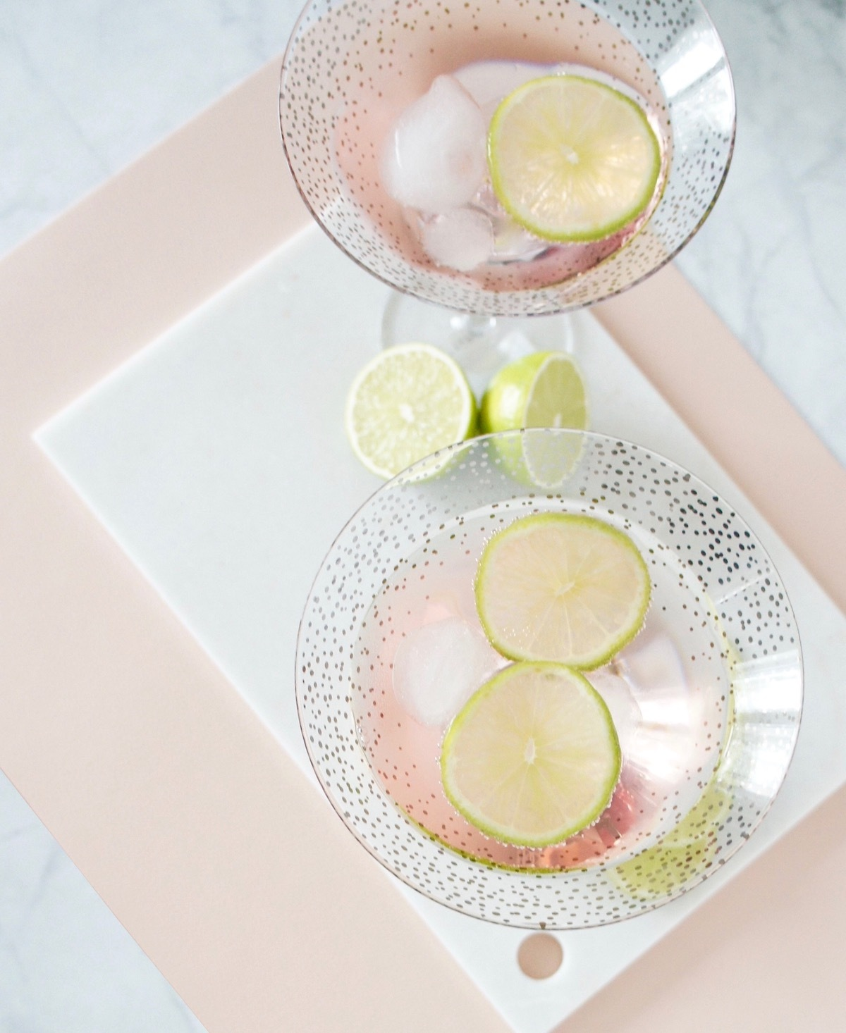 Cockatil_Rosen_Limo_Fentimans_Rose_Lemonade_Cocktailglaser_Silber_Rand_Goldrand_Bloomingville_online_kaufen